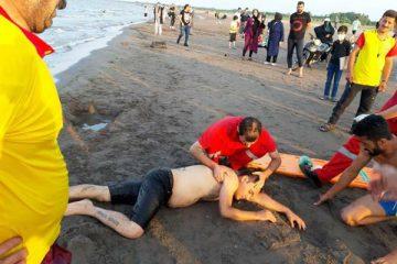 منجیان غریق هیات استان گیلان ۴۱۱ نفر را از مرگ حتمی نجات دادند