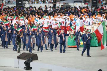 بدرقه کاروان المپیک در جوار بلندترین پرچم ایران