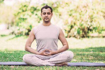 نگاهی به اثرات درمانی یوگا